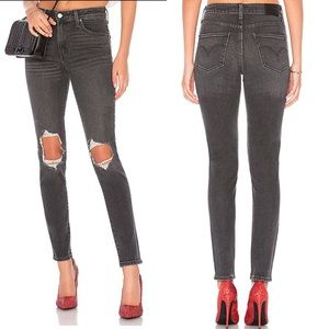 NWT Revolve Levi's • 721 High Rise Skinny in Black